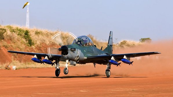 aviao-super-tucano-embraer-size-598
