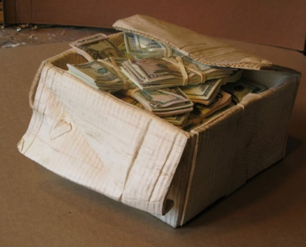 randall-rosenthal-turned-a-block-of-wood-into-a-box-of-money-4-600x483
