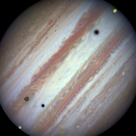 Hubble captura Júpiter e suas 3 luas