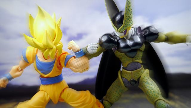 Cell vs Goku